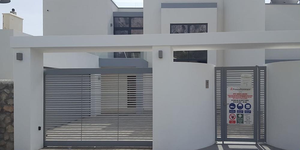 Puerta con motor corredera Algeciras