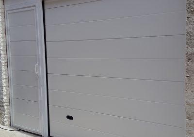 Puerta Seccional Blanca Casa